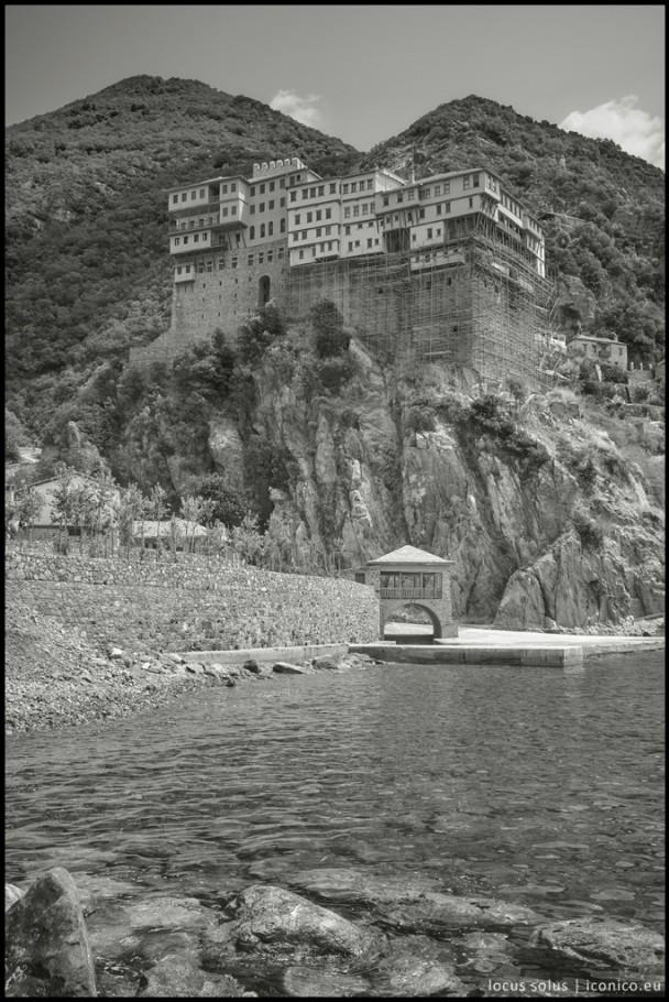 Il monastero di Dionisyou visto dal mare